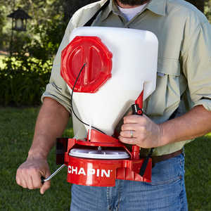Chapin Chest-Mounted Spreader, Model 8700A, 680 Cu. In. Capacity